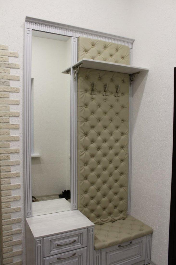 что говорить, фото оформления зеркала со шкафчиками побеги