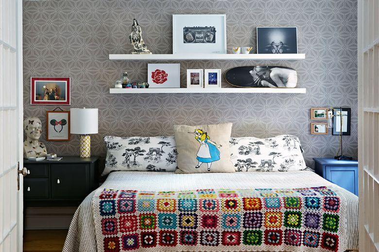 Прикроватная полка для спальни
